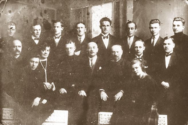 Augustas Vymeris su mokiniais