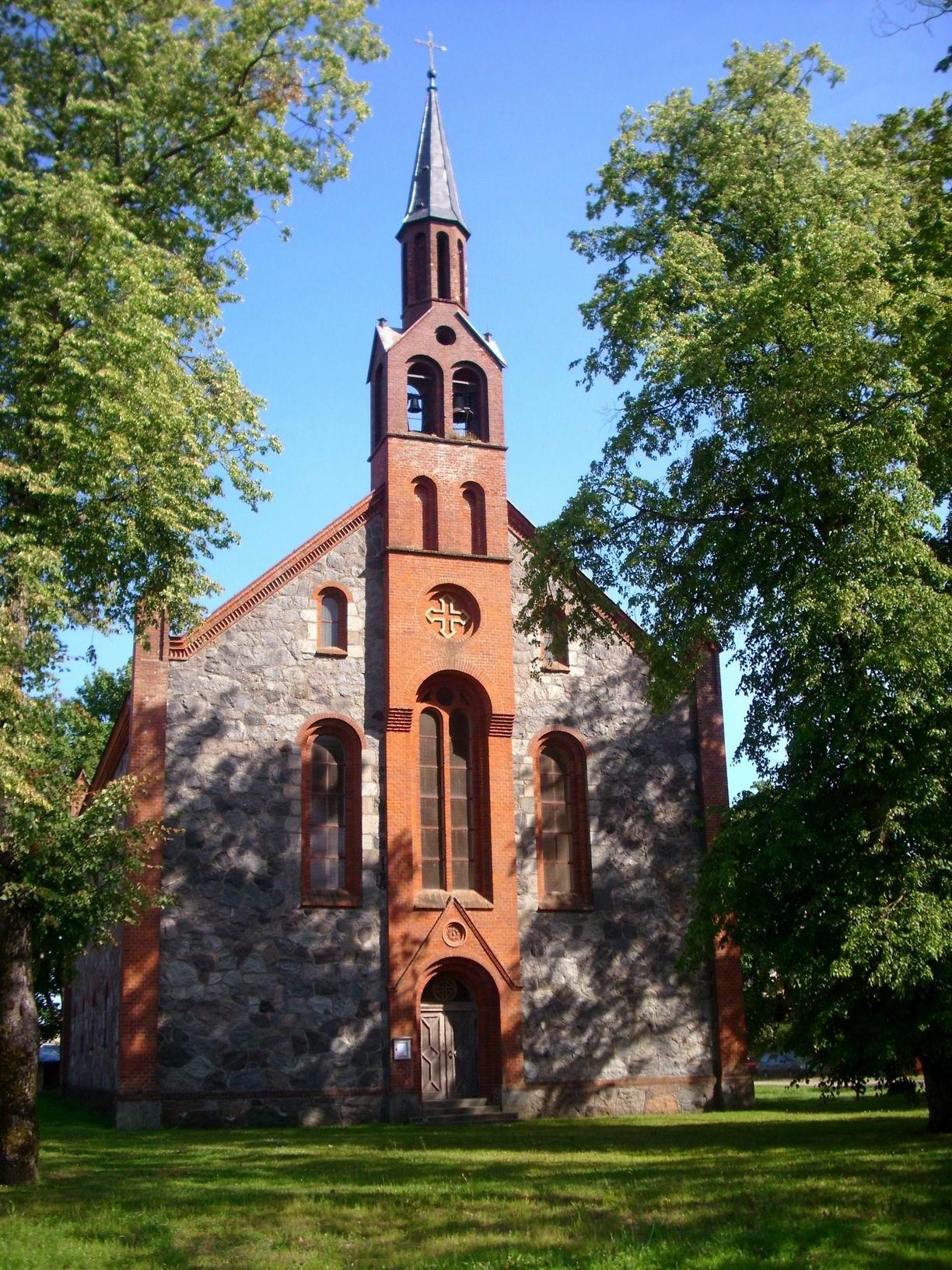 Ort_Dawillen_Kirche_Vorderansicht_2009